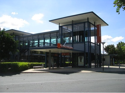 Exterior view of Greenslopes busway station, Courtesy of Reubot https://commons.wikimedia.org/wiki/File:Greenslopes_busway_station.jpg