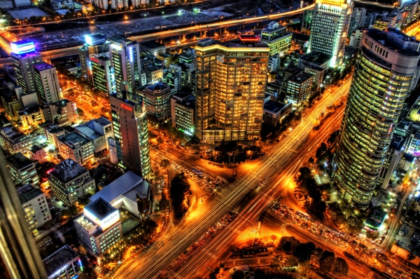 Street Lighting in Seoul, Courtesy of Trey Ratcliff https://www.flickr.com/photos/stuckincustoms/300928932)